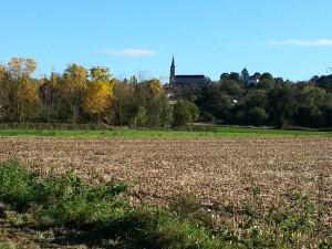 Vue de Mogneneins et de son église