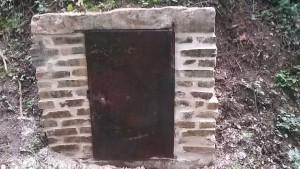 Fontaine située au hameau de Flurieux