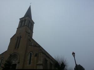 Eglise de Mogneneins et Monument aux Morts