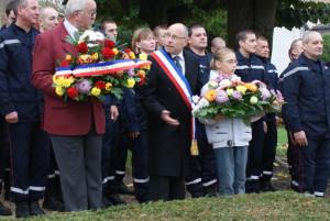 Commémoration du 11 novembre au Monument aux Morts - Mogneneins