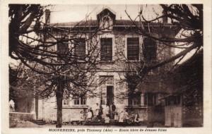 Vue de l'ancienne école, actuelle mairie de Mogneneins