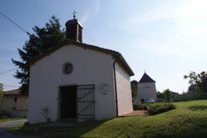 Chapelle St Claude et pigeonnier au hameaux de Flurieux à Mogneneins