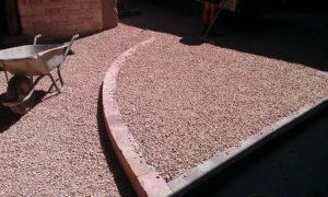 Commerce du village : la nouvelle terrasse du Cheval Blanc