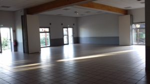 Salle des fêtes de Mogneneins : espace de réception