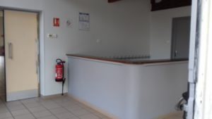 Salle des fêtes de Mogneneins : hall d'accueil